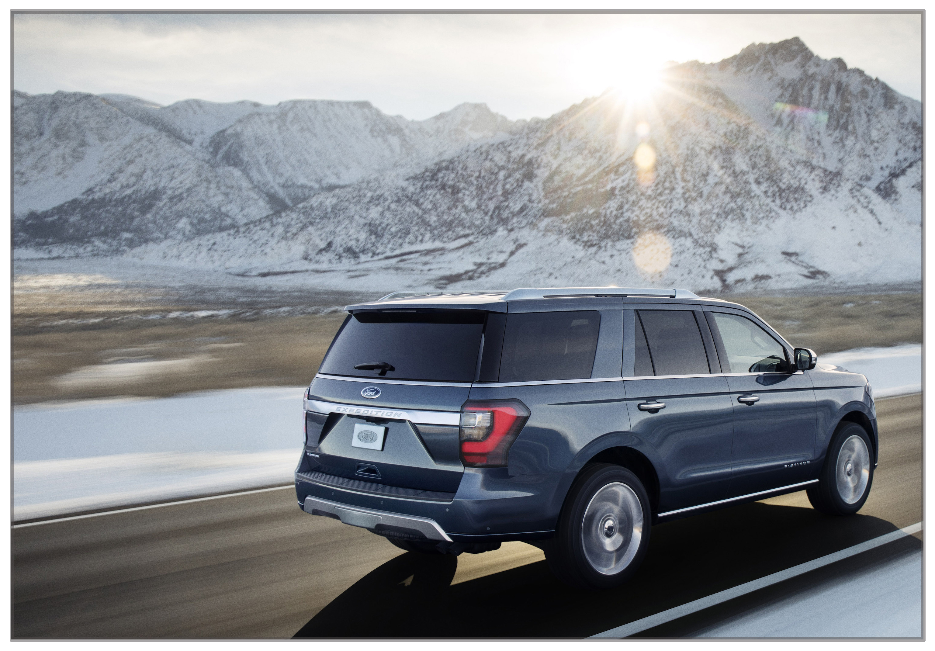 The blue oval updates its full size suv the 2018 ford expedition sciox Gallery